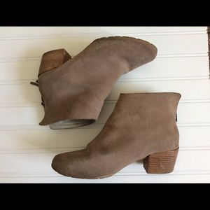 Suede Kenneth Cole Reaction Ankle Boots sz 7